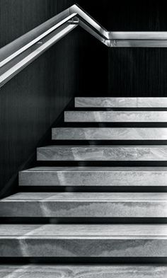 How to choose and buy a new and modern staircase – My Life Spot Staircase Handrail, Interior Staircase, Modern Staircase, Stair Railing, Staircase Design, Concrete Steps, Precast Concrete, Marble Stairs, Floating Stairs