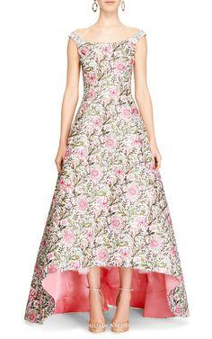 Embellished Floral Brocade Gown by Oscar de la Renta - Moda Operandi