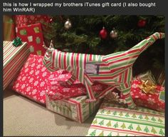 Creative ways to wrap gifts. I'm so doing a couple of these next Christmas!!!!