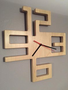diy holz Items similar to Modern Solid Maple Clock on Etsy, Woodworking Projects Diy, Diy Wood Projects, Woodworking Plans, Wood Crafts, Welding Projects, Woodworking Equipment, Woodworking Store, Popular Woodworking, Woodworking Furniture