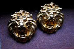 Classy vintage 80s shiny gold tone metal  lion head by VezaVe