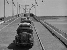 Indvielse-af-Dronning-Alexandrines-Bro-30-maj_1943_edit