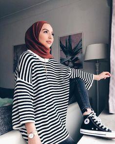 etc – Hijab Fashion Modern Hijab Fashion, Street Hijab Fashion, Muslim Fashion, Modest Fashion, Fashion Outfits, Parisian Fashion, Bohemian Fashion, Fashion Clothes, Fashion Fashion
