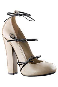 Louis Vuitton - Women's Accessories - 2011 Fall-Winter                                                                                                                                                                                 More