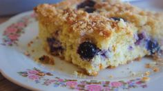 Blueberry Muffin Coffee Cake - The Kitchen Paper Lemon Coffee Cake Recipe, Blueberry Lemon Coffee Cake, Blueberry Crumble Muffins, Blue Berry Muffins, Blueberry Cheesecake, Food Cakes, Cupcake Cakes, Baking Recipes, Cake Recipes
