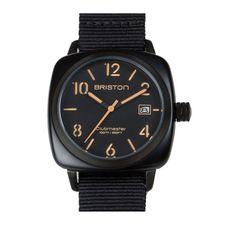 นาฬิกาข้อมือที่ดูเรียบแต่เท่จากบริสตัน (Briston) ประเทศฝรั่งเศส มีตัวเรือนผลิตจากสเตนเลสสตีลอย่างดี มีหน้าปัดทำจากกระจกคริสตัล หนา 2.3 มิลลิเมตร ทนทานต่อแรงกระแทกและรอยขีดข่วน สามารถกันน้ำลึกถึง 100 เมตร พร้อมกับสายไนลอนชนิดพิเศษมีความยืดหยุ่นสูง สนนราคาขายที่ 210 ดอลลาร์สหรัฐ (หรือประมาณ 6,600 บาท)