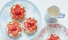 Mary Berry shares her recipe for pretty Strawberry Tartlets from her book, Mary Berry Everyday. These tartlets can be made ahead of time for a stress-free dessert. Mary Berry Desserts, Summer Desserts, Mary Berry Everyday, Beef And Ale Stew, A Food, Food And Drink, Thing 1, New Recipes, Kitchen Recipes