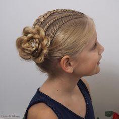 #braid #braids #plait #plaits #trenza #trenzas #hairstyle #hairstyles #hairstylist #hairforkids #hairforgirls #kidshair #hairstylesforgirls #kidsbraids #communie #bruidsmeisje #communionhairstyle #flowergirl #princesshair #charmingandglamour