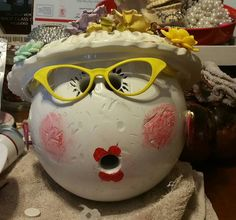 Gertrude - Bowling ball upcycle by https://www.facebook.com/No-Grout-About-It-Mosaics-by-Kat-1575867549330840/