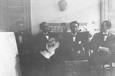 Charles-Édouard Jeanneret (right), his brother Albert and Amédée Ozenfant in L'Esprit Nouveau' s office, circa 1920  © FLC/ADAGP