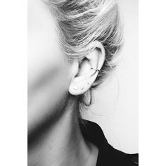 On The Road... Ear piercing for grown-ups. It's officially a thing. And this time more is definitely more. #theroaddaily #atterleyroad #stayahead #style #fashion #jewellery #minimal #accessories