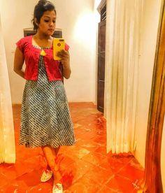 Kids Blouse Designs, Sari Blouse Designs, Salwar Designs, Kurti Neck Designs, Dress Neck Designs, Kurta Designs Women, Kurti Designs Party Wear, Long Gown Dress, Saree Dress