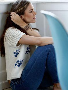Strik selv: Top med blå blomster - Hendes Verden