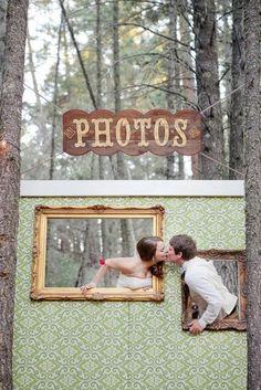 Ideas originales y divertidas para photocall de boda. Hoy en nuestro blog hemos invitado a Aire de Fiesta para que nos cuenten todos los detalles y nos den ideas de photocall de bodas. Nos traen los fondos de photocall más originales, y no te preocupes si te quieres copiar alguna y precisas los elementos, ¡porque Aire de Fiesta los tiene!