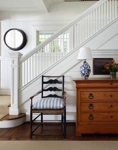 Traditional Staircase Design Ideas, Pictures, Remodel and Decor Design Entrée, Foyer Design, Staircase Design, House Design, White Staircase, White Banister, Design Ideas, Cottage Staircase, Staircase Diy