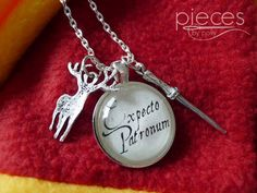 Harry Potter Necklace Expectro Patronum Necklace von PiecesByPolly