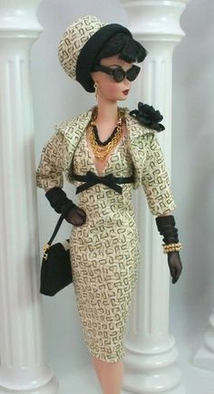 Beautiful style by a talented Canadian designer - over BACK /KnowingBella/barbie-girl-barbie-world/ Vintage Barbie Clothes, Doll Clothes Barbie, Fashion Royalty Dolls, Fashion Dolls, Stuffed Animals, Barbie And Ken, Girl Barbie, Barbie Style, Barbie Fashionista
