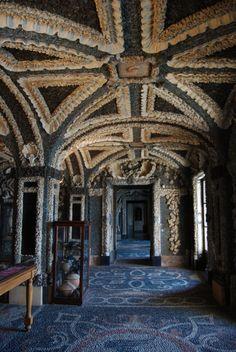 Grotto rooms of Palazzo Borromeo Isola Bella, Lago Maggiore, Italy