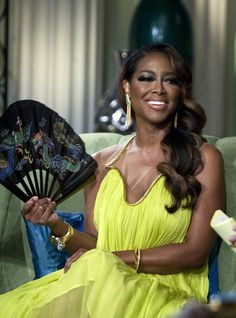 Should A Single Person Text A Married Person? Kenya Moore Defends Texting Phaedra Parks' Husband