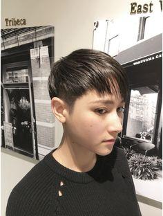 Pixie Haircut, Corset, Short Hair Styles, Hair Cuts, Hair Beauty, Hair Ideas, Fashion, Hair Makeup, Pixie Buzz Cut