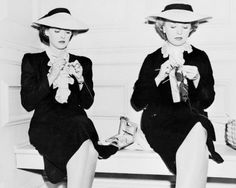 1940: Bette Davis and her stand-in knitting and crocheting via Retronaut (http://www.retronaut.com/2013/08/bette-davis-and-her-stand-in-knitting-and-crocheting/)