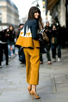 Fashion Week Street Style, making mustard work with sharp tailoring and a heap of confidence!