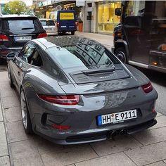 Cool Porsche 2017: 911 R... Man Stuff Check more at http://carsboard.pro/2017/2017/02/15/porsche-2017-911-r-man-stuff/