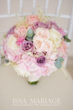 aranjamente nunta bujoreni issa 2017 Wedding Bouquets, Floral Wreath, Wedding Decorations, Wreaths, Long Hair Styles, Garden, Flowers, Plants, Diy