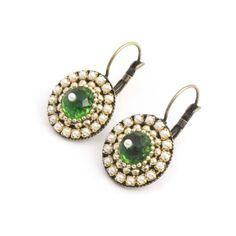 Iris Groene oorbellen met goud en pareltjes
