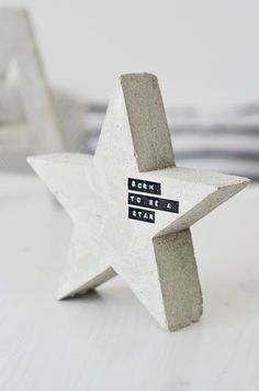 """lovely idea for christmas or nursery this """"Born to be a star"""" wooden star with #dymo labels"""