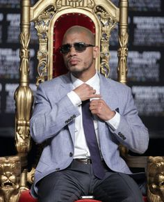 Miguel Cotto will take on Floyd Mayweather for the WBA super light middleweight championship. Miguel Angel Cotto, Miguel Cotto, Puerto Rico, Mind Over Body, Sport Boxing, Boxing Champions, Popular People, Floyd Mayweather, Combat Sport