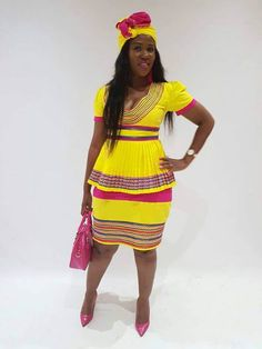 Latest African Prom Dresses For Teens 2018 - african dresses style Be a beauty in daishiki with this fascinating maxi dress! The neck and, fitted top, A-line dress, and belt resplendently accent this maxi dress African Prom Dresses, Prom Dresses For Teens, African Fashion Dresses, African Dress, African Clothes, Black History Month, Workout Tops, Short Sleeve Dresses, Womens Fashion