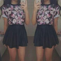 Floral top and leather skirt outfit idea