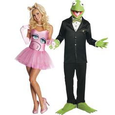 Miss Piggy and Kermit the Frog Halloween couples costume