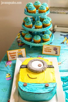 Get ideas for your Minion Birthday Party with everything from food, decor, cake and games! Minion Birthday, Minion Party, Diy Birthday, Birthday Boys, Birthday Ideas, Birthday Cakes, Fourth Birthday, 3rd Birthday Parties, Cupcake Cakes