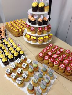 HTML5j CUP カップケーキ Cup Cakes, Fondant, Desserts, Food, Deserts, Cupcake, Fondant Icing, Cupcake Cakes, Dessert