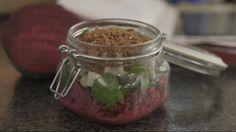 Eén - Dagelijkse kost - salade van rode biet, appel en zure haring   Eén