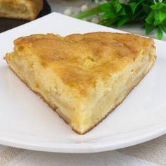 Prăjitură cu mere incredibil de aromată și îmbătătoare! - savuros.info Romanian Desserts, Quiche Lorraine, Desert Recipes, Cornbread, Cake Recipes, Bakery, Sweet Treats, Good Food, Food And Drink