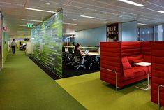 Clive Wilkinson Architects designed a new office design in Sydney, Australia for Macquerie.