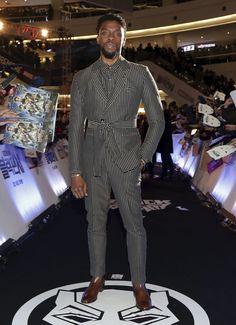 WHO: Chadwick Boseman Dzojchen suit with David Yurman jewelry and Christian Louboutin boots Stylish Mens Fashion, Mens Boots Fashion, Mens Fashion Suits, Mens Suits, Mens Tux, Fashion Black, Mode Masculine, Suits You Sir, Christian Louboutin
