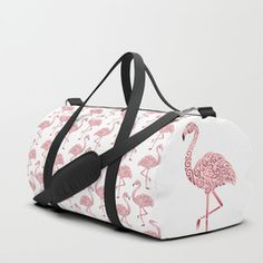 Julie's Pink Flamingo Pattern Duffle Bag A pinkie tote. Flamingo Shoes, Flamingo Gifts, Flamingo Decor, Pink Flamingos, Flamingo Bathroom, Colores Faber Castell, Betsey Johnson Luggage, Summer Birthday Outfits, Galaxy Backpack