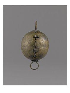 Chauffe-mains armorié  - Musée national de la Renaissance (Ecouen)