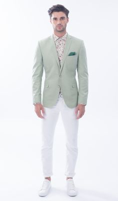 Designer Nick Graham hosted his first complete menswear collection presentation during New York Fashion Week: Men, unveiling his spring-summer 2016 offering. Mint Green Blazer, Green Suit, Dress Code, Floral Shirt Dress, Dress Shirt, Blazer Dress, Spring Summer, Summer 2016, Spring 2016