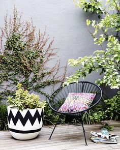 Revising The Versatility And Mystery Of The Acapulco Chair Outdoor Areas, Outdoor Rooms, Outdoor Living, Outdoor Decor, Acapulco Chair, Garden Spaces, Terrace Garden, Cheap Home Decor, Home Decor Accessories