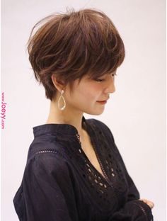 Pin on Hair style 私たちに従ってください Pin on Hair style 私たちに従ってください Bob Hairstyles For Fine Hair, Pixie Hairstyles, Short Hairstyles For Women, Easy Hairstyles, Asian Short Hair, Short Hair Cuts, Medium Hair Styles, Short Hair Styles, Gorgeous Hair