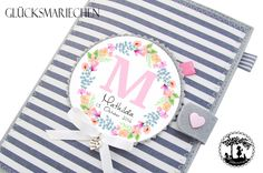 U-Hefthüllen - U-Heft Hülle / Hausiheft - 2 in 1 - Initialen - ein Designerstück von Gluecksmariechen bei DaWanda Wet Bag, Decorative Plates, Tableware, Products, Pink, Grey Stripes, Basic Colors, Flowers, Kids