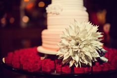 Origamis in wedding decoration.