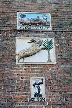 Gevelstenen, Amsterdam Centrum