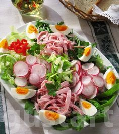 Cold Dishes, Infused Water Recipes, Eat Pray Love, Hungarian Recipes, Salad Dressing, Cobb Salad, Bacon, Salads, Clean Eating