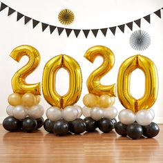 Air-Filled Gold 2019 Graduation Balloon Centerpiece Kit Option 7 - could look good as the cente Graduation Party Planning, Graduation Party Supplies, Graduation Decorations, Kids Party Supplies, Graduation Table Centerpieces, Graduation Invitations, Balloon Centerpieces, Balloon Decorations Party, Gold Number Balloons